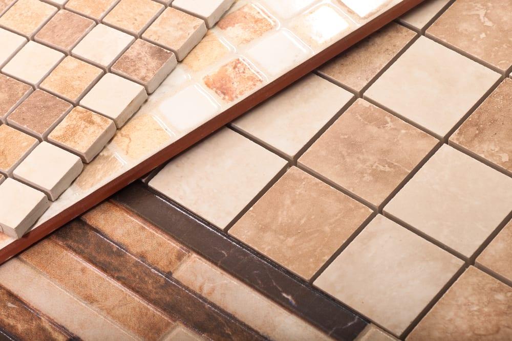 La innovación en los fabricantes de suelos y techos: vinilo, cerámica y madera